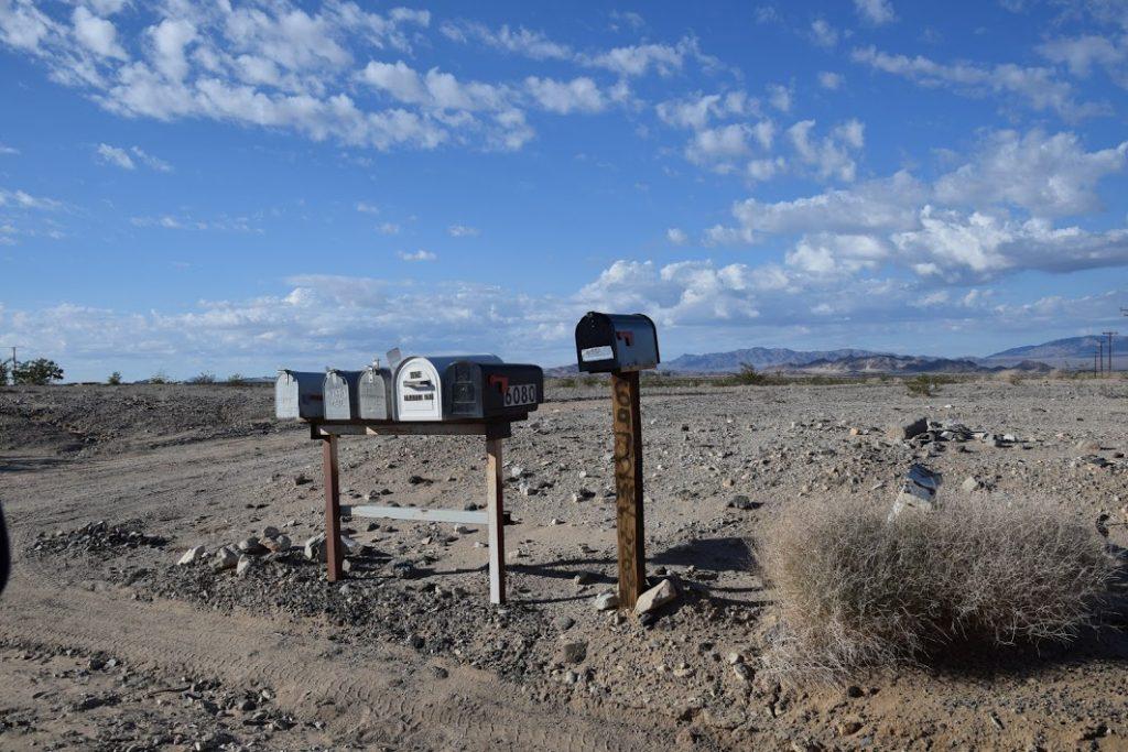 skrzynki pocztowe na pustyni